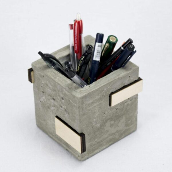 Porta penne cemento e legno