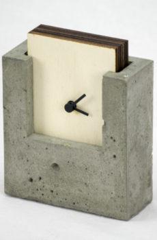Orologio cemento e legno
